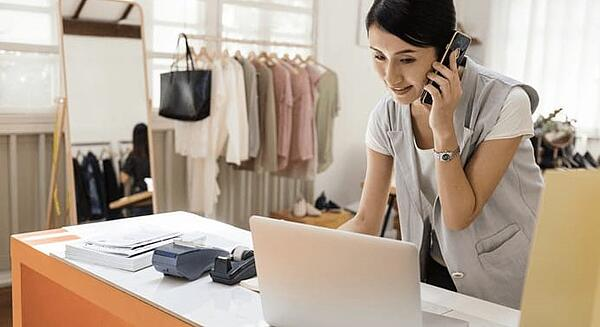 Deck Commerce omnichannel order management helps Customer Service Representatives with a great shopper experience.